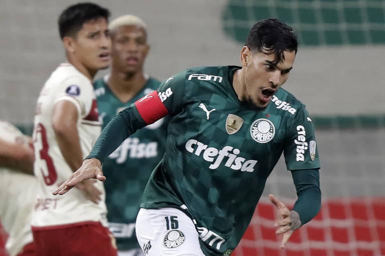 Gustavo Gómez comemora gol do Palmeiras contra o Universitario