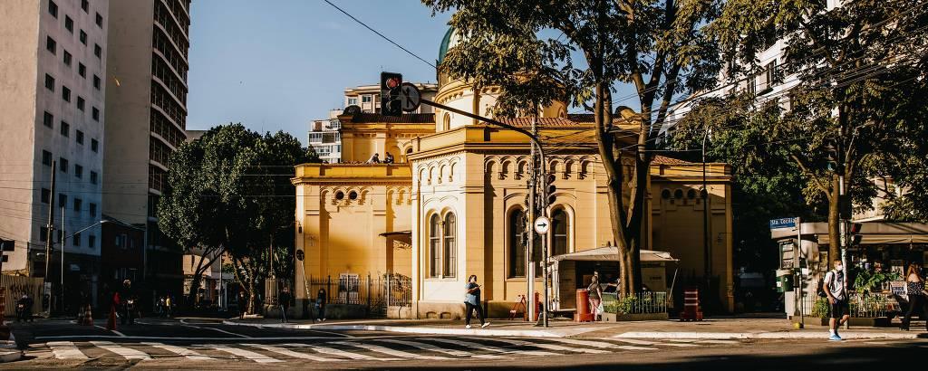 A Paróquia Santa Cecília vista da Rua Dona Veridiana, na região central de São Paulo