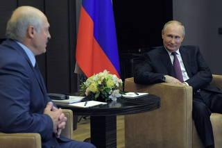Russian PresidentPutin meets with his Belarusian counterpart Lukashenko in Sochi