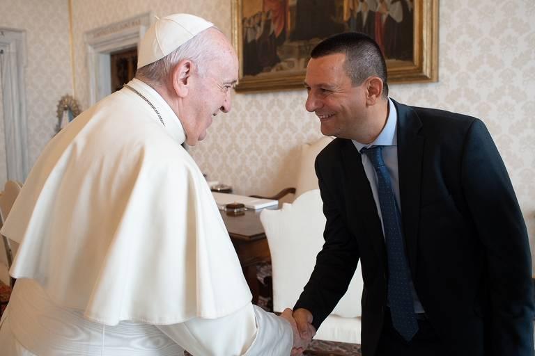 Em livro, vaticanista disseca visão do papa para 'reconstrução dos escombros da Covid'