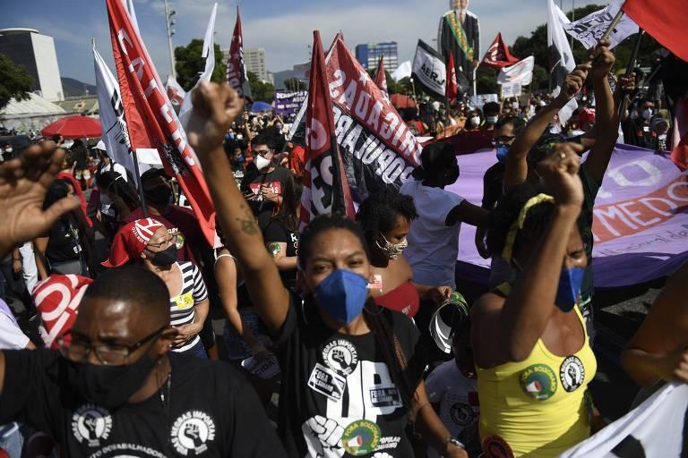 Protesto no Rio reúne manifestantes contra o presidente Bolsonaro