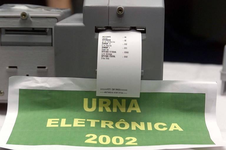 Testado em 2002, voto impresso causou confusão e tornou urna eletrônica vulnerável a fraude