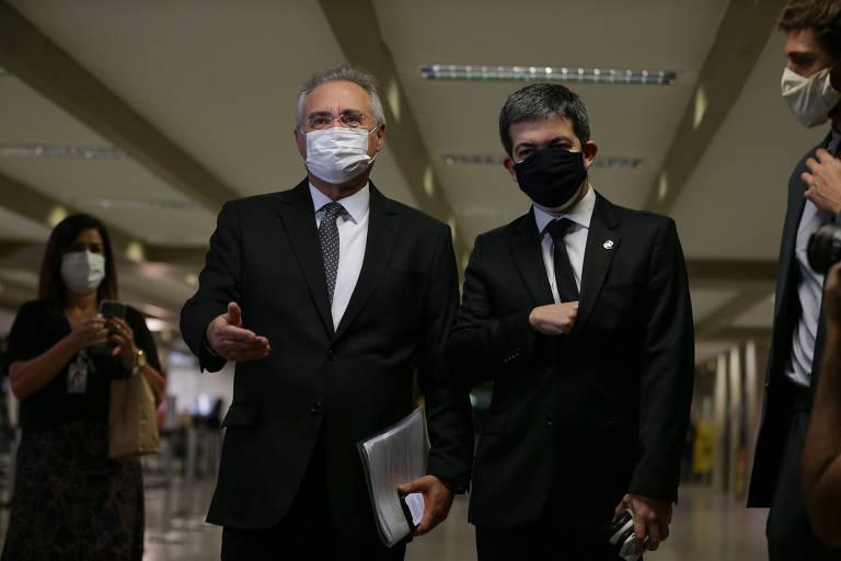 Os senadores Renan Calheiros (MDB-AL), relator da CPI e Randolfe Rodrigues (REDE-AP), vice presidente da CPI