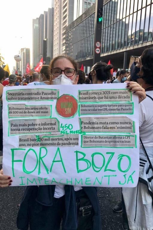Protesto contra Bolsonaro em meio à pandemia bloqueia avenida Paulista em SP