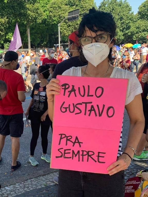 Maria Ribeiro contra Bolsonaro