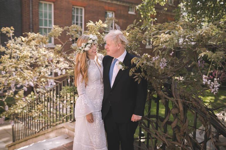 Boris Johnson se casa em cerimônia secreta em Londres