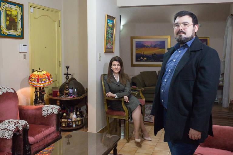 José Acevedo e sua irmã Elena, que viajaram do Paraguai para os Estados Unidos para serem vacinados