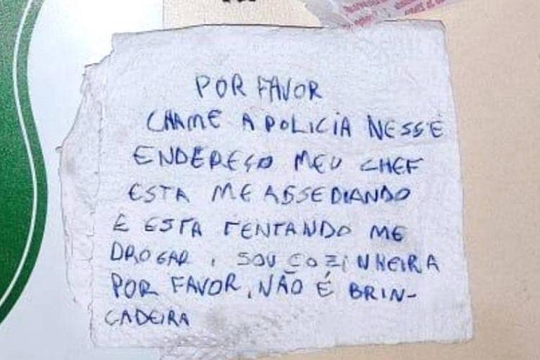 Jovem escreve pedido de socorro em guardanapo e envia bilhete junto com lanche após ser assediada pelo chefe em Chapecó, Santa Catarina, na noite de sexta-feira (28)
