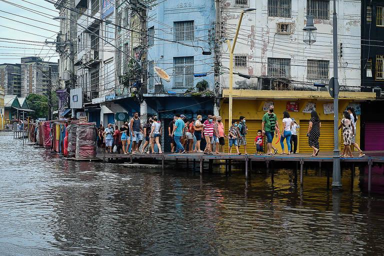 Impulsionado pelas mudanças climáticas, rio Negro registra cheia histórica em Manaus