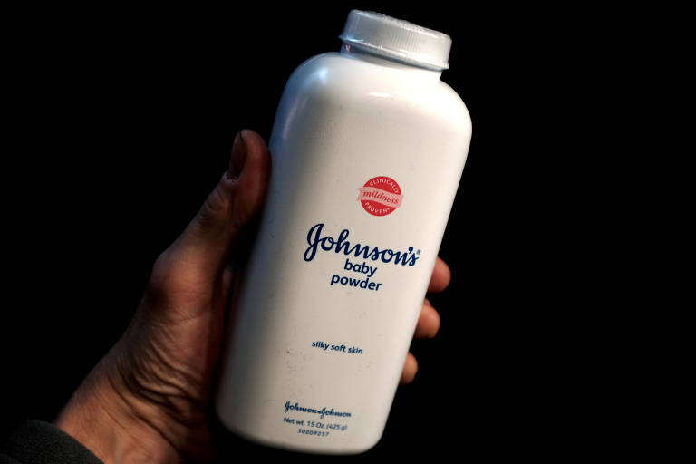 Johnson & Johnson terá que pagar US$ 2,1 bilhões por vender talco cancerígeno