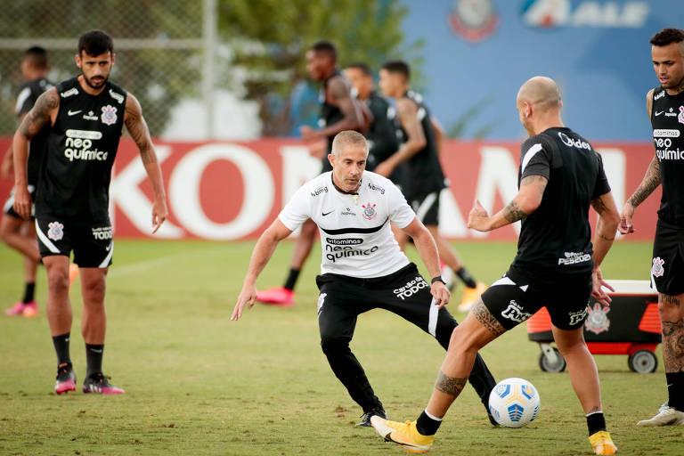 Sylvinho tem primeiro grande teste à frente do Corinthians na Copa Brasil