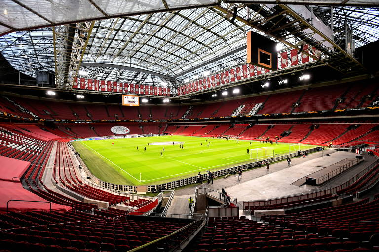 Casa do Ajax, a Johan Cruyff Arena, na Holanda, receberá até 12 mil torcedores por partida. Isso equivale a 25% de sua capacidade total