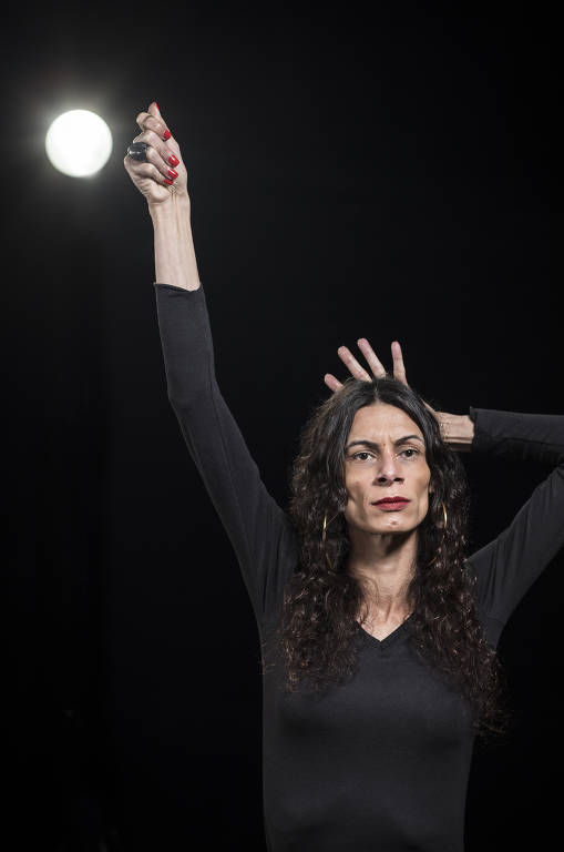 A atriz Renata Carvalho, narradora de nova versão de 'Liberdade, Liberdade'