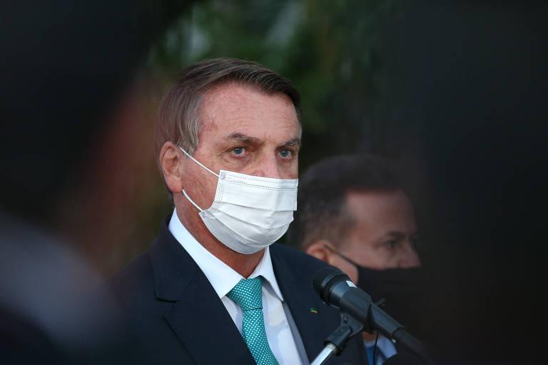 Após denúncia de propina de US$ 1 por vacina, Bolsonaro se vê atacado por todos os lados e com dificuldade de discurso
