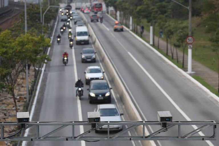 Rodízio de veículos volta aos horários tradicionais em SP a partir de segunda (2)