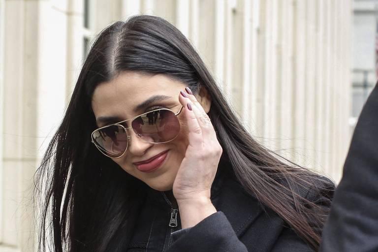 Emma Coronel Aispuro, mulher de Joaquin 'El Chapo' Guzman, deixa o tribunal em Nova York após veredito do julgamento de seu marido, em fevereiro de 2019