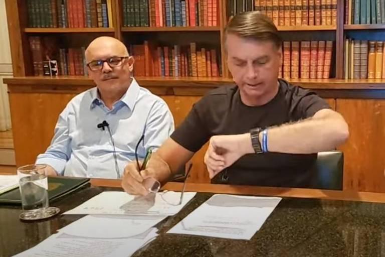 Sem citar Pazuello, Bolsonaro diz que é comum Exército não aplicar punições