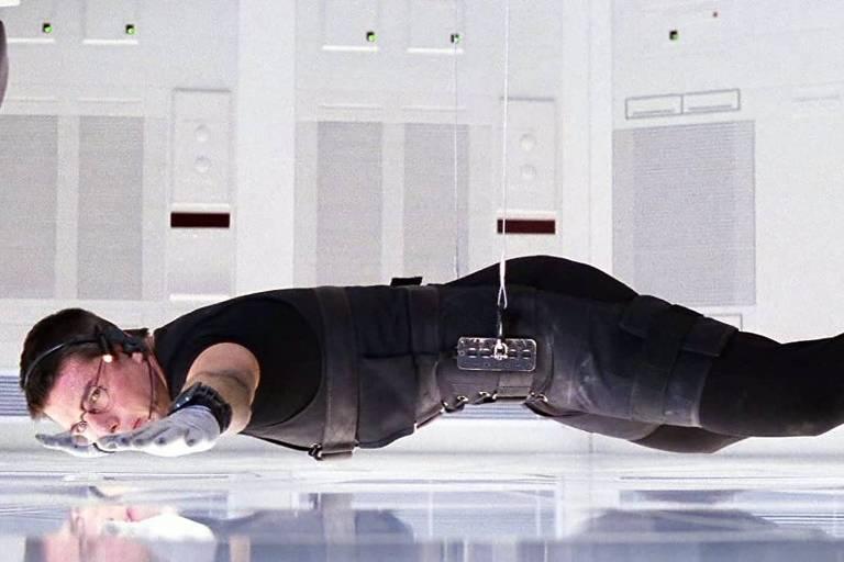 """Tom Cruise em cena de """"Missão Impossível"""", dirigido por Brian de Palma"""