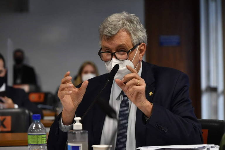 Senador Luis Carlos Heinze (PP-RS) participa de depoimento da secretária de Gestão do Trabalho e da Educação na Saúde, Mayra Pinheiro