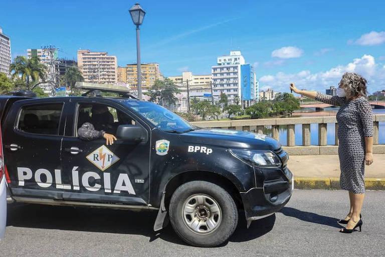 Era uma metralhadora giratória contra todo mundo, diz vereadora atacada com spray de pimenta no Recife