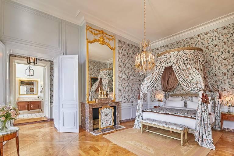 A suíte Madame de Fouquet, para dois hóspedes, tem 60 metros quadrados e dois banheiros
