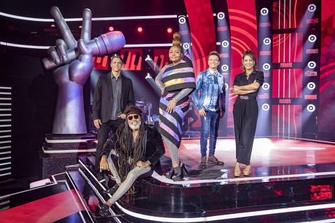 Márcio Garcia ( Apresentador ) Carlinhos Brown , Gaby Amarantos e Michel Teló ( Técnicos ) e Talita Rebouças ( Apresentadora ).