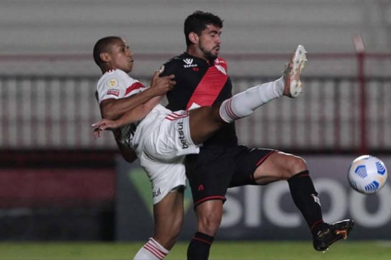 Caneladas do Vitão: Atlético-GO derruba São Paulo e se consolida como pesadelo paulista!