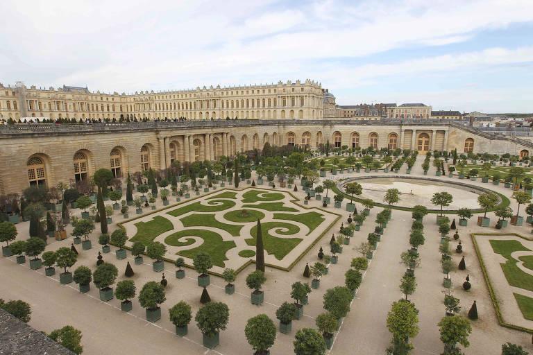 Jardim inferior do Palácio de Versalhes, na França