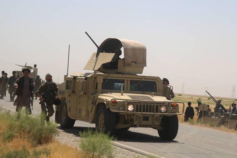 Explosão de ônibus deixa 11 mortos no Afeganistão