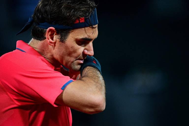 Roger Federer abandona Roland Garros após vencer três jogos