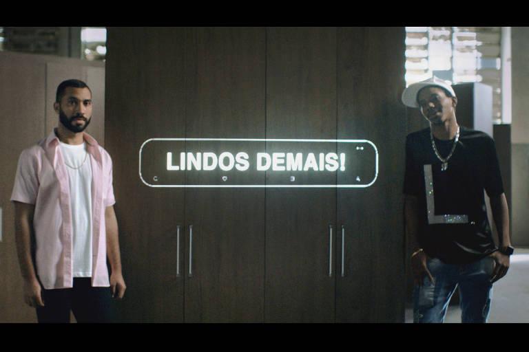 Gil do Vigor e Lucas Penteado em campanha das Casas Bahia