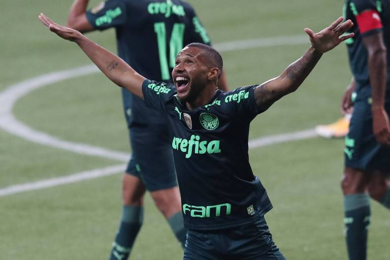 Wesley aproveita mudança de esquema de Abel e leva Palmeiras à vitória