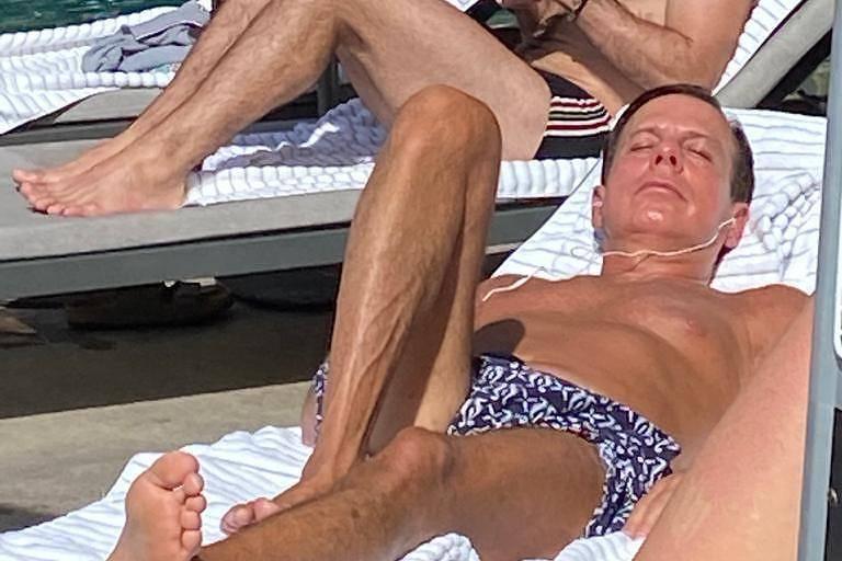 Perfil de rede social que denuncia aglomerações diz que não critica banho de sol de Doria