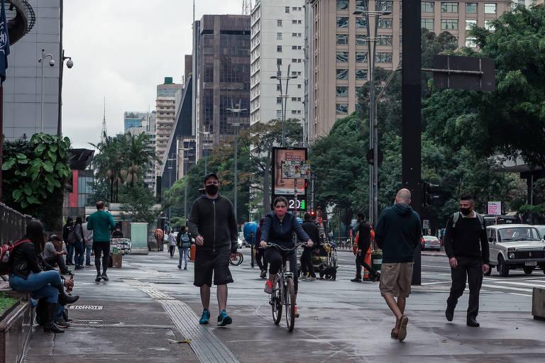 Frente fria traz chuva para a capital paulista