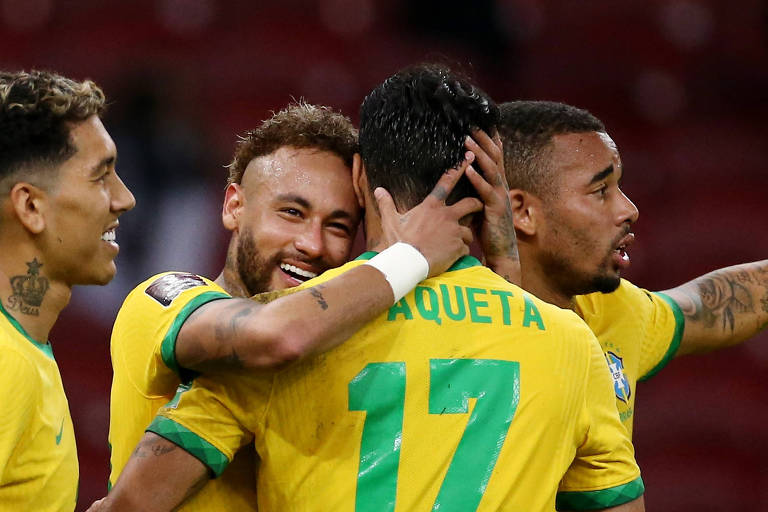 Neymar comemora gol na vitória sobre o Equador, em Porto Alegre