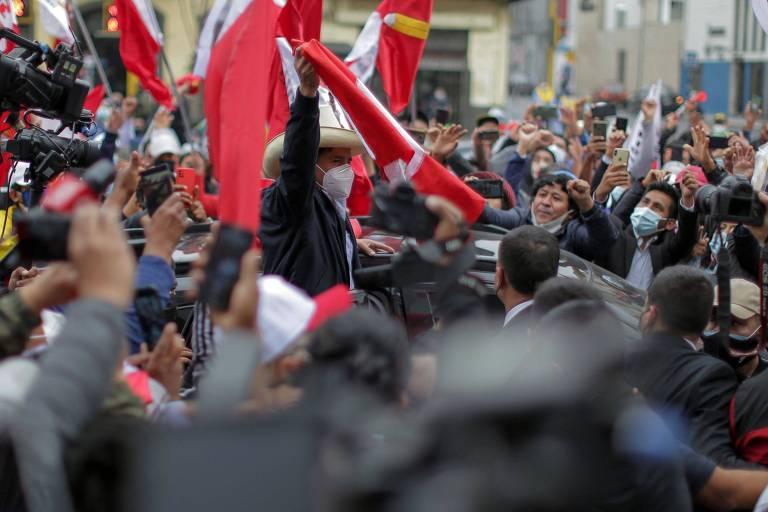 Dia seguinte à eleição presidencial no Peru e segunda noite de violência em Manaus; veja fotos de hoje
