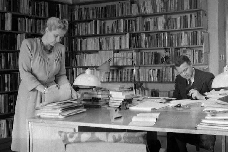 O casal Alva e Gunnar Myrdal em imagem em preto e branco