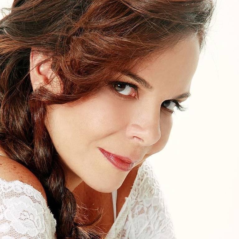 Imagens da cantora Sula Miranda