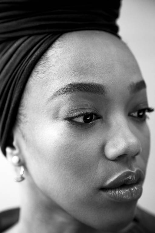 Imagens da atriz Naomi Ackie