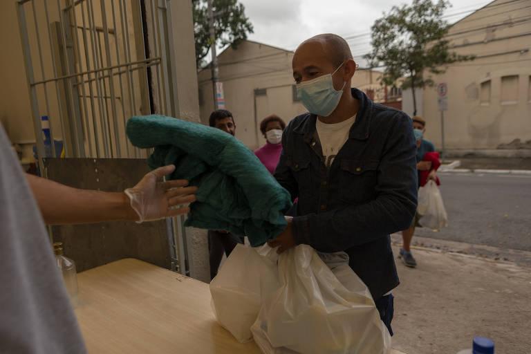 Entidades se desdobram para oferecer comida durante a pandemia