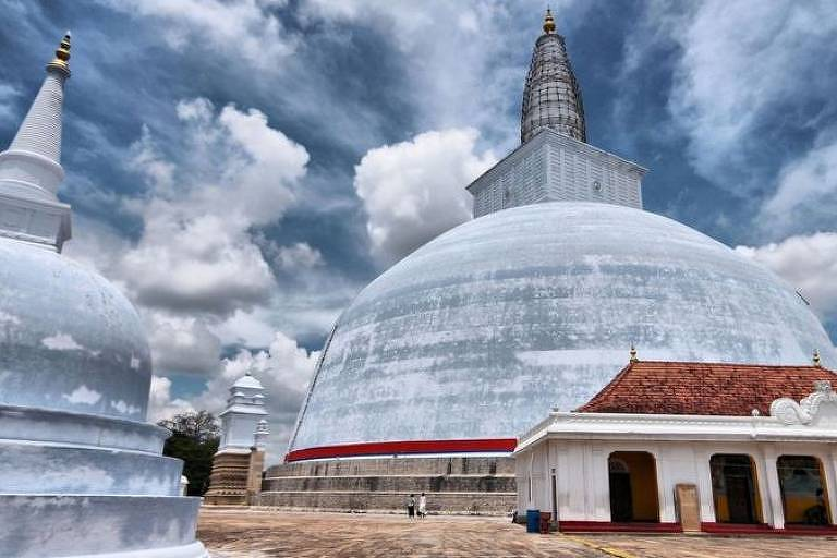 A cidade sagrada de Anuradhapura, no Sri Lanka, foi o primeiro reino estabelecido na ilha