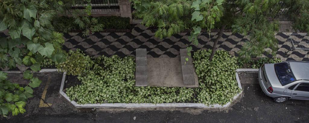 Vaga verde na rua Doutor Gabriel dos Santos, na Santa Cecília, na região central da capital