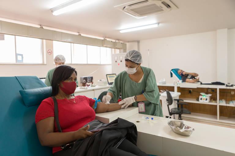 Mercedes Comamala Soler, 50 anos, cabeleireira, foi doar sangue no Hospital Público do Servidor Estadual para ajudar o marido de uma cliente, que faz hemodiálise