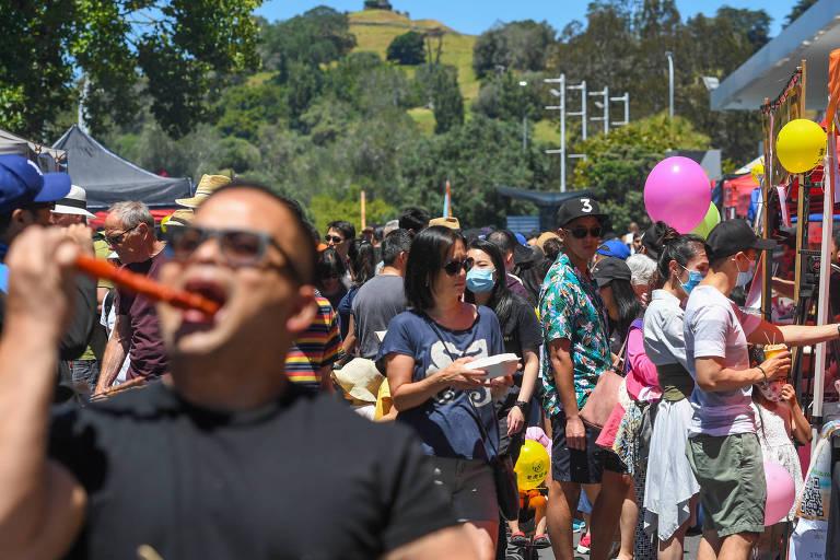 Pessoas participam de comemoração do Ano Novo Chinês em Auckland