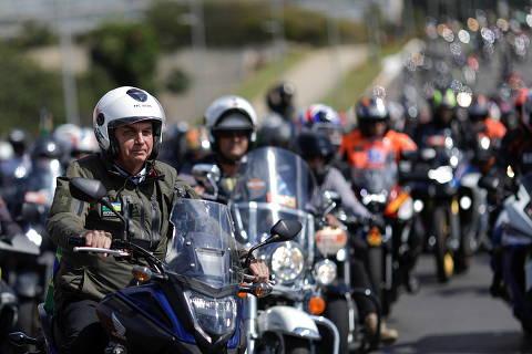 'Motociata' com Bolsonaro preocupa por risco de acidente em SP