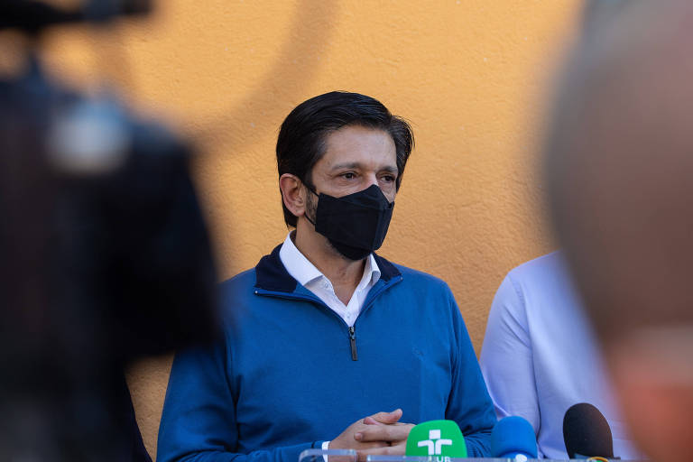 Nunes diz que não desobrigará população de SP de usar máscara contra Covid