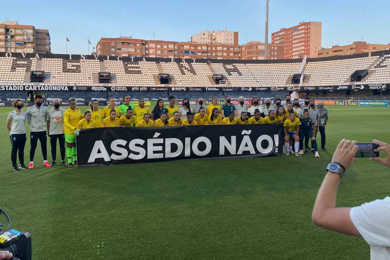 Jogadoras da seleção brasileira se manifestam contra o assédio sexual