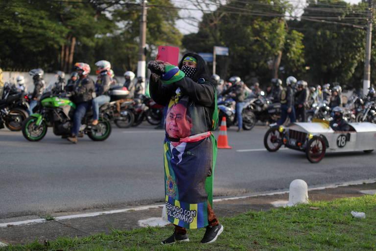 Apoiadores de Bolsonaro antes de 'motociata' em São Paulo