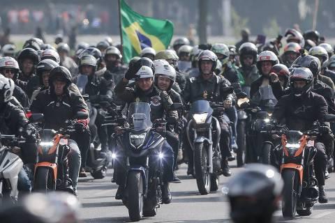 Ato com Bolsonaro reúne 12 mil motos em SP em meio a novo avanço da pandemia
