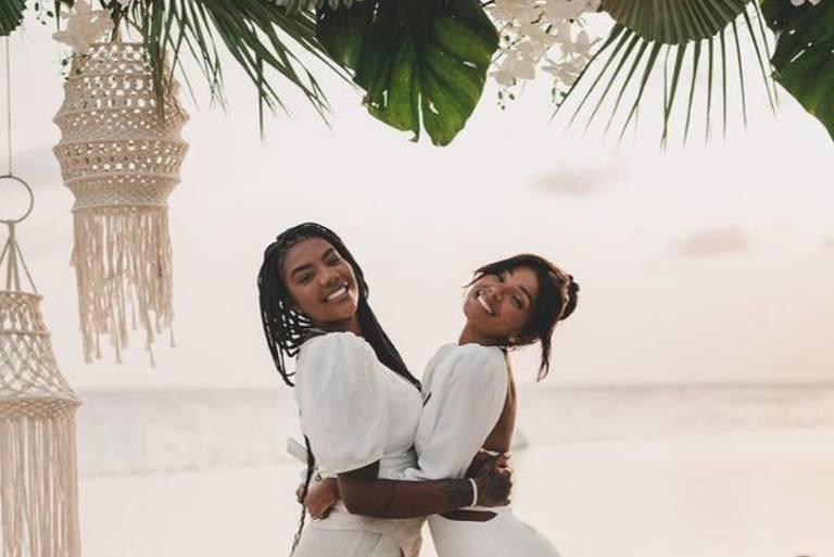 Ludmilla e Brunna Gonçalves renovam os votos de casamento no Caribe